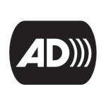 Logo audiodesktypcji to duże litery AD obok siebie. Od zaokrąglenia litery D ochodzą 3 łuki wygięte w prawo, tworząc skojarzenie z dźwiękiem. całość zmknięta jest w zaokrąglonym prostokącie.