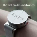 Zdjęcie przedstawia dot smart watcha na ręce.