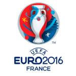 Logo przedstawia uproszczony kształt pucharu, wpisany w koło, w trzech kolorach czerwonym, białym i niebieskim. U dołu znaduje się napis UEFA, EURO2016, France.