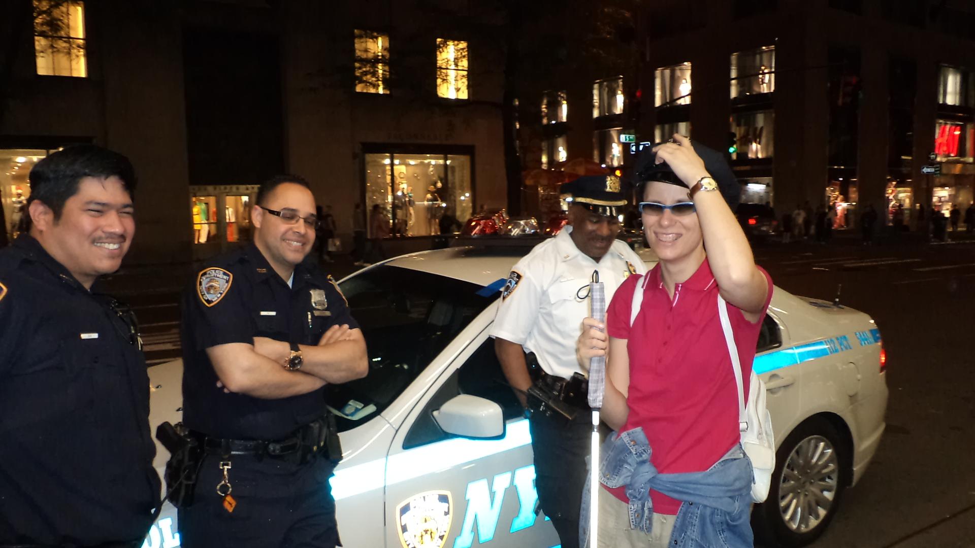 Hania z nowojorskimi policjantami