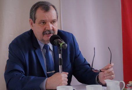 Przemysław Kaźmirski w trakcie przemowy w czasie debaty regionalnej KMP w Rzeszowie