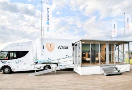 Na zdjęciu nowoczesny samochód ciężarowy geberit aquaclean truck