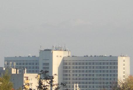 Zdjęcie Wojewódzkiego Szpitala specjalistycznego im. Ludwika Rydygiera w Krakowie w całości zrobione w oddali