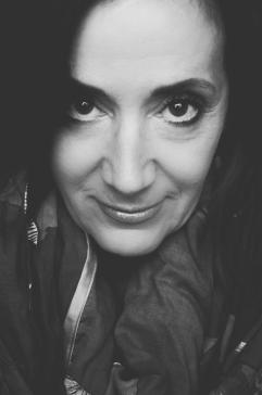 czarno-biały portret Teresy Latuszewskiej - Syrdy
