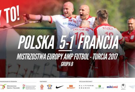plakat obwieszczający wygraną polski z francją