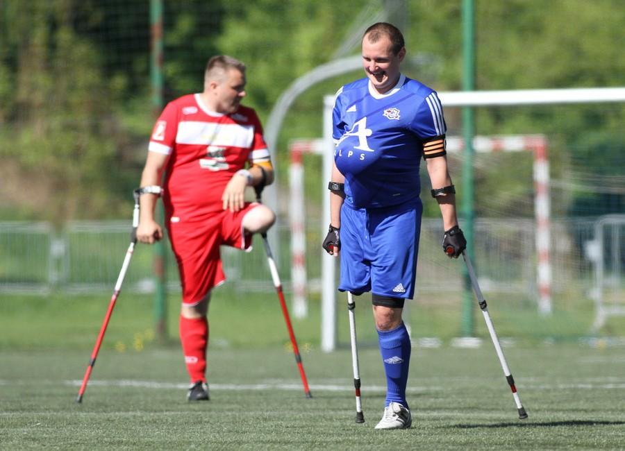 Krzysztof Wrona - cieszynka po strzelonym golu - I turniej Amp Futbol Ekstraklasa 2018 fot. Bartłomiej Budny